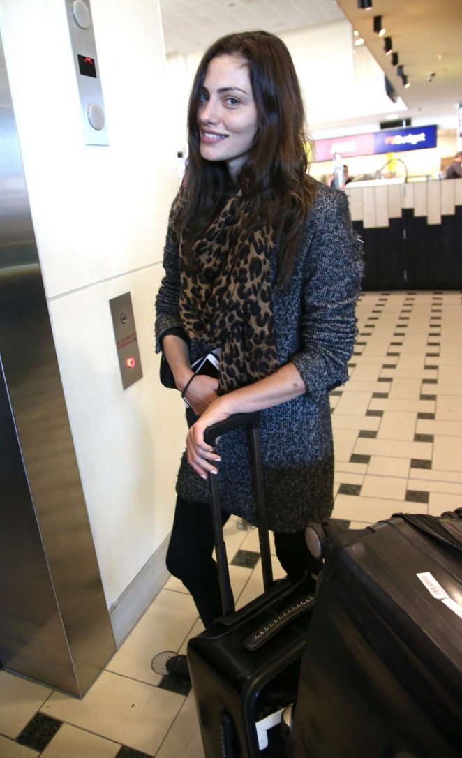 Phoebe Tonkin - Arrives at Airport in Brisbane