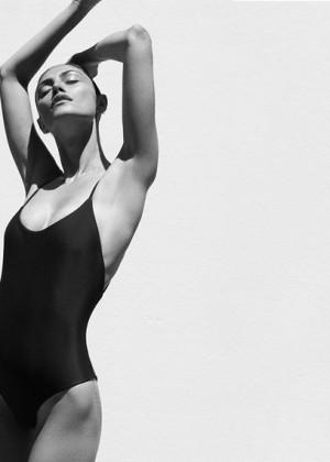 Phoebe Tonkin: Matte Swim -01