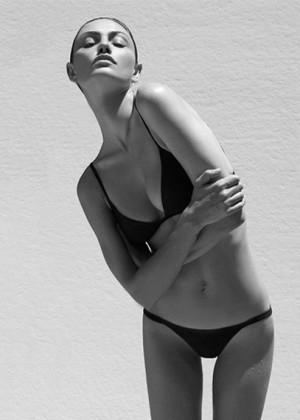 Phoebe Tonkin: Matte Swim -02