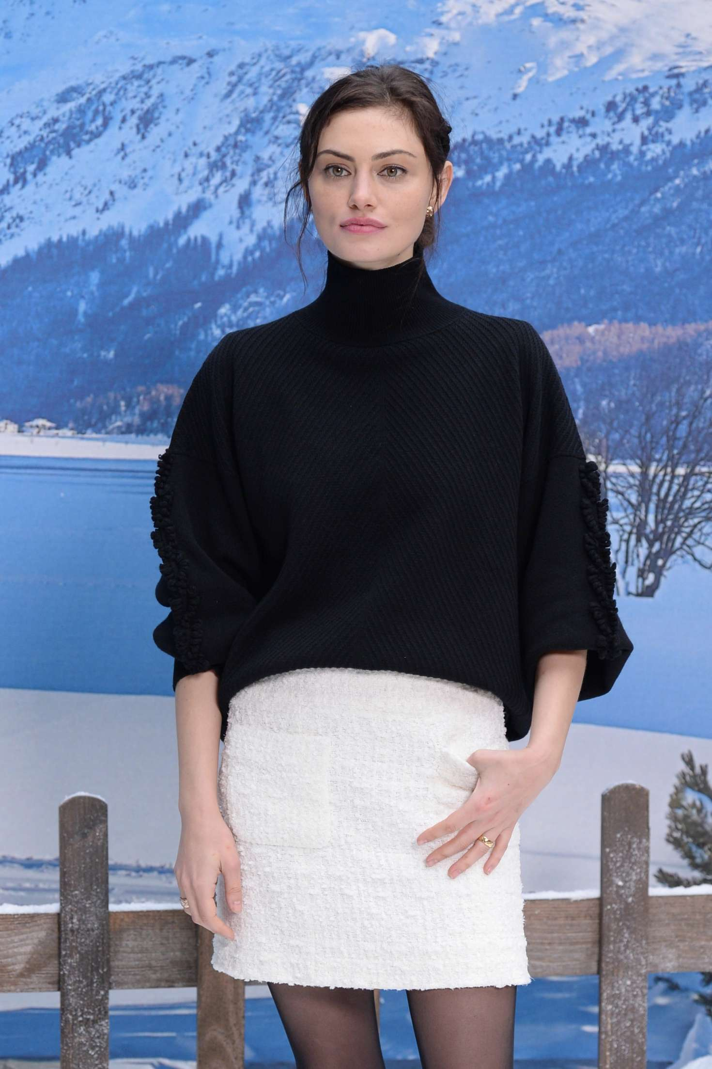 Phoebe Tonkin - Chanel Fashion Show in Paris