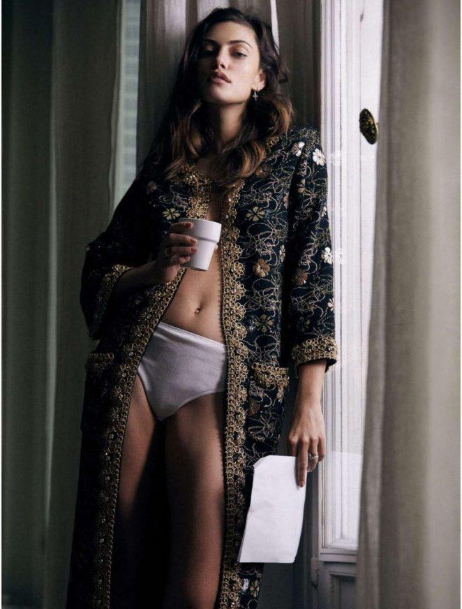 Phoebe Tonkin - Elle Australia Magazine (July 2017)