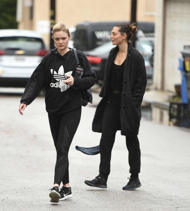 Phoebe Tonkin - Leaves the gym with a friend in LA