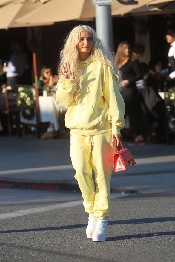 Pia Mia Perez in Yellow at Il Pastaio in Beverly Hills