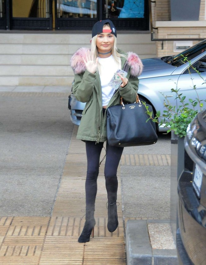 Pia Mia Perez - Shopping at Barney's in Beverly Hills