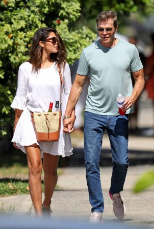 Pia Miller - With her fiance Patrick Whitesell in Bondi