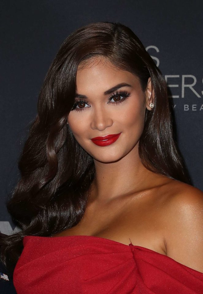 Miss Universe Pia Wurtzbach Almost Nude Shows Her Body In