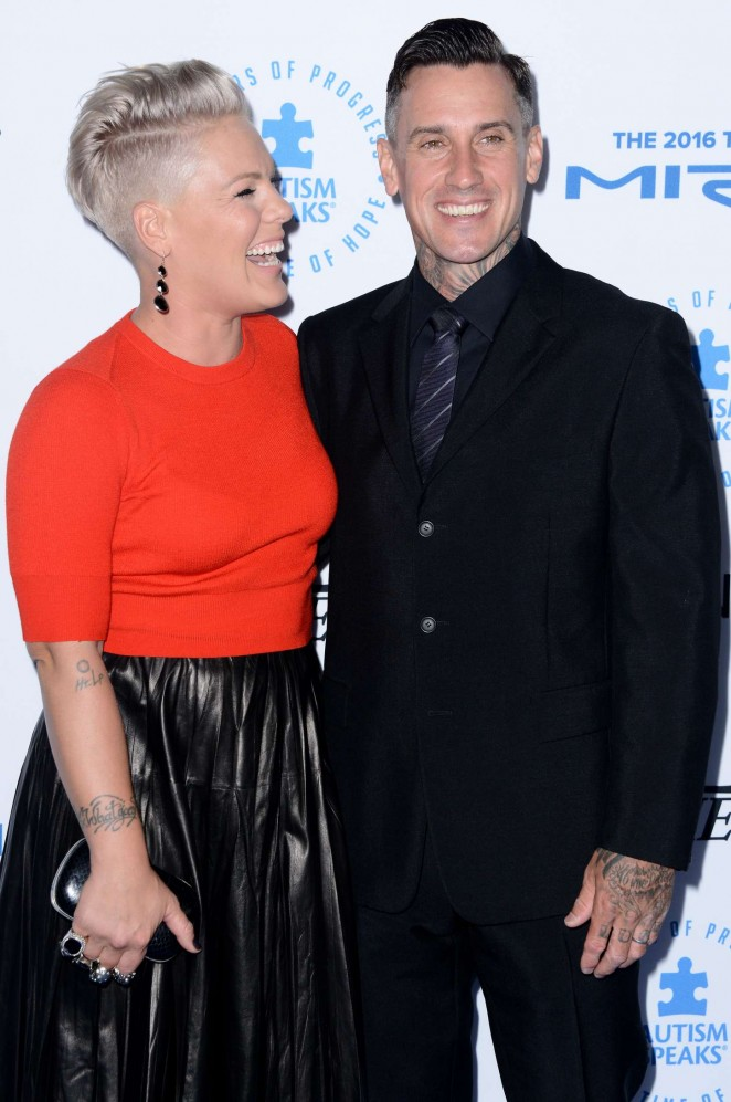 Pink: Autism Speaks To Los Angeles Celebrity Chef Gala -13