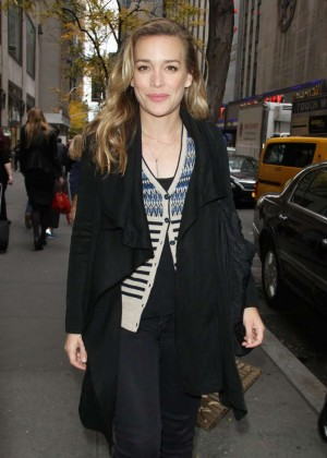 Piper Perabo - Leaves TV Station in New York