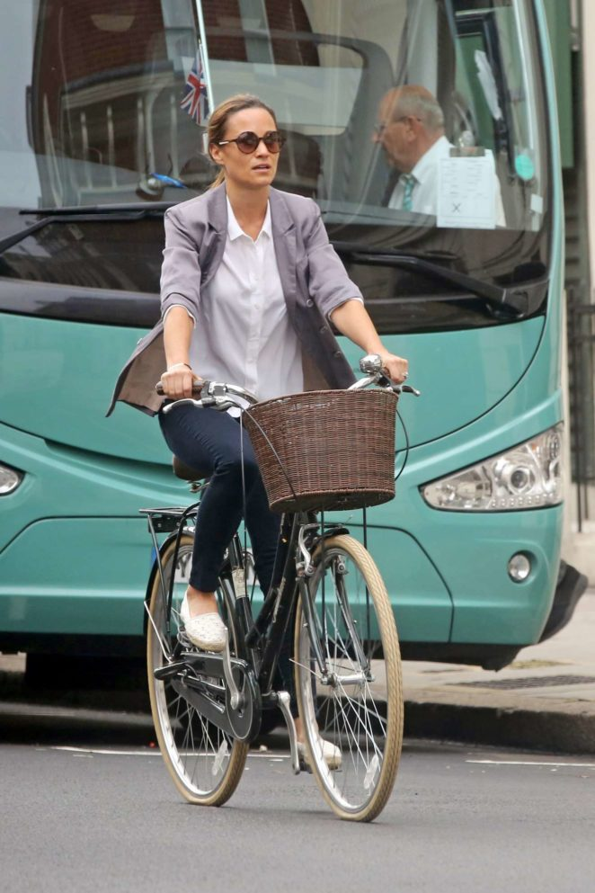 Pippa Middleton - Goes for a bike ride on her 34th birthday in London
