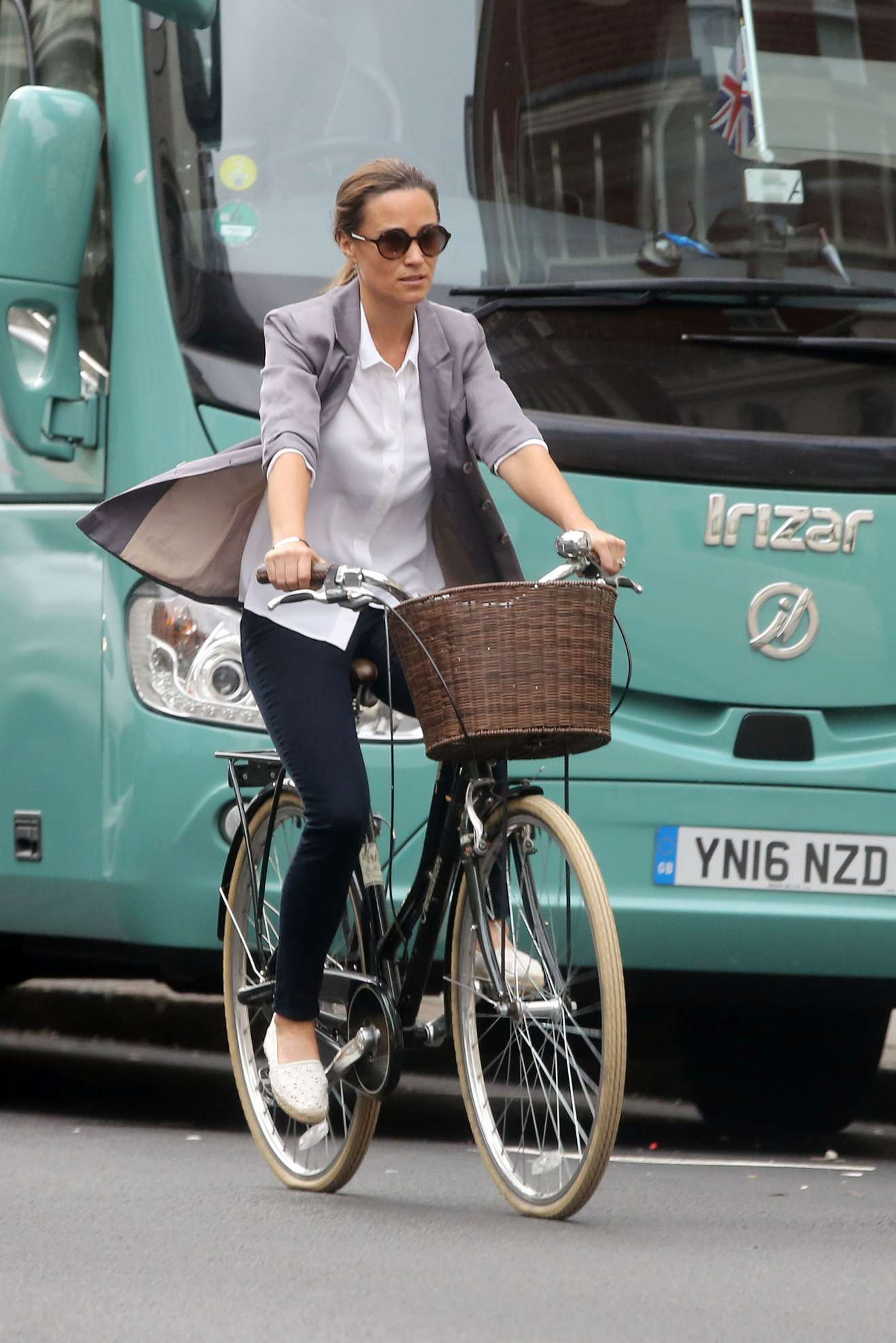 Sara Jean Underwood Bike Awesome pippa middleton – goes for a bike ride on her 34th birthday in