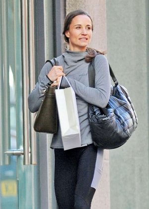 Pippa Middleton in Tights Leaves a Gym in London