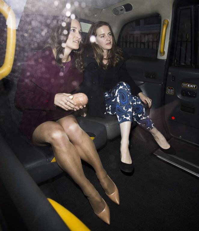 Pippa Middleton in Short Dress -01