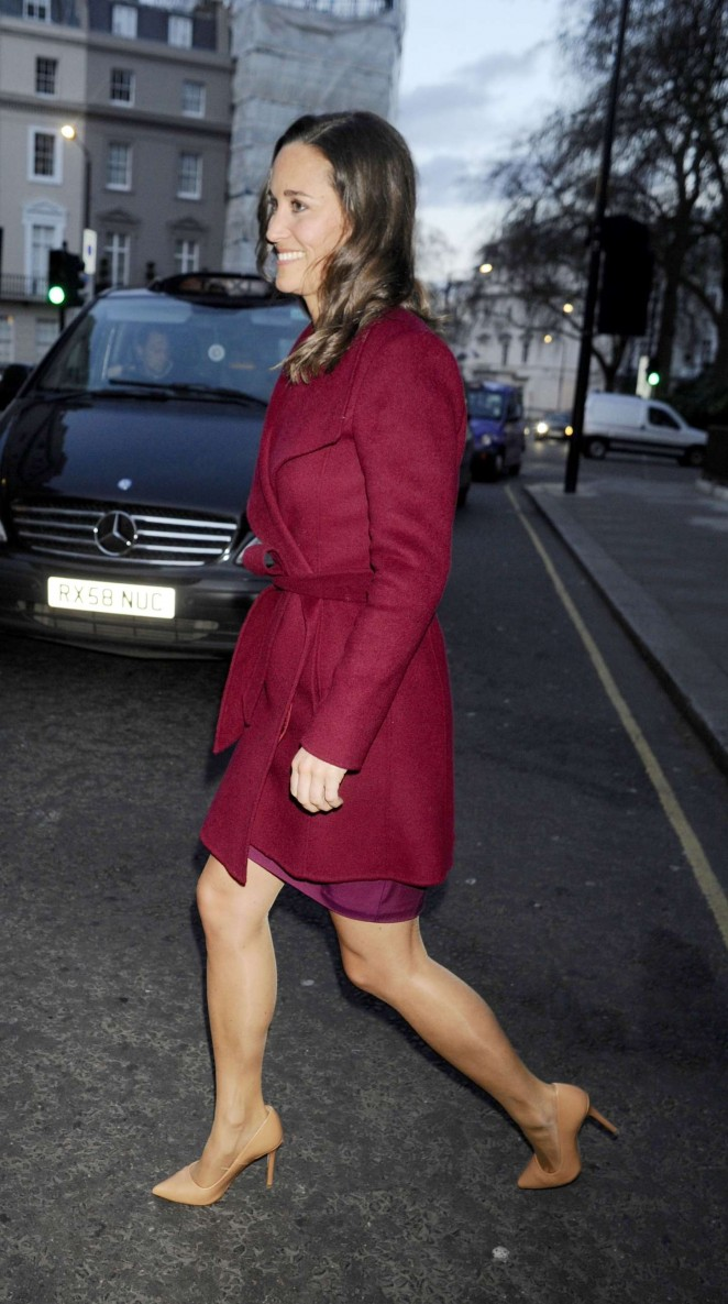 Pippa Middleton in Short Dress -03