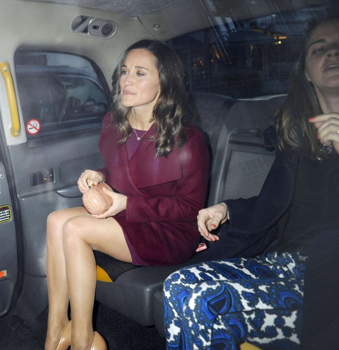 Pippa Middleton in Short Dress -06