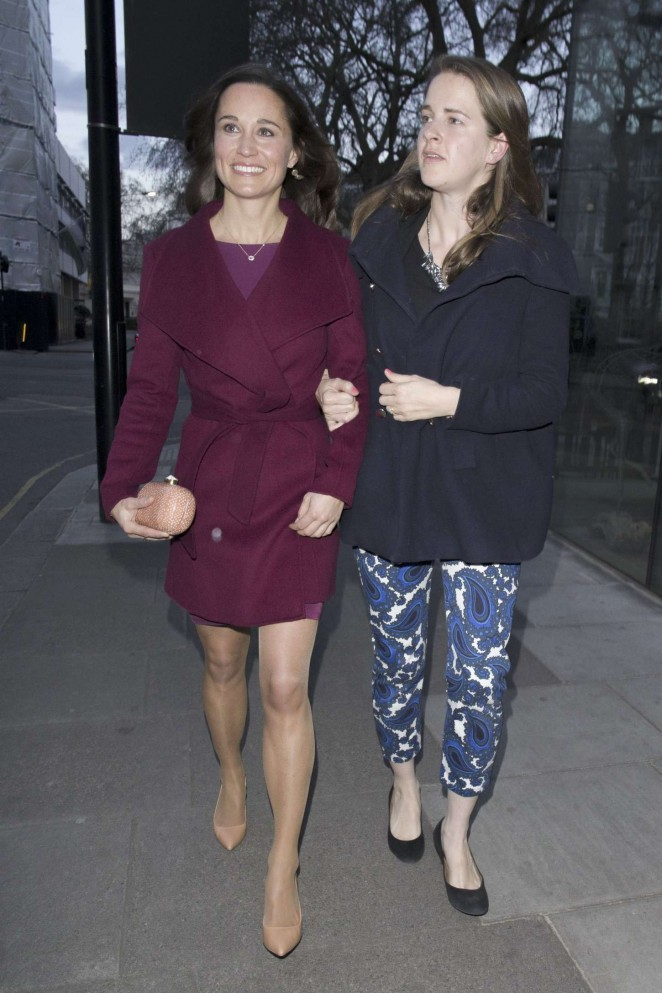 Pippa Middleton in Short Dress -09