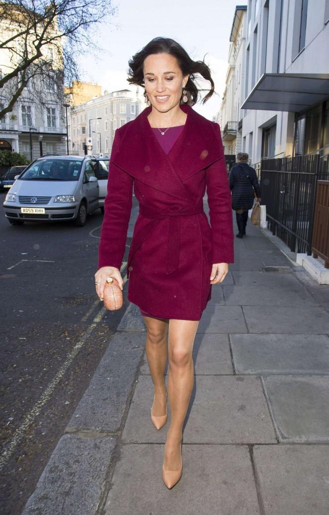 Pippa Middleton in Short Dress -15