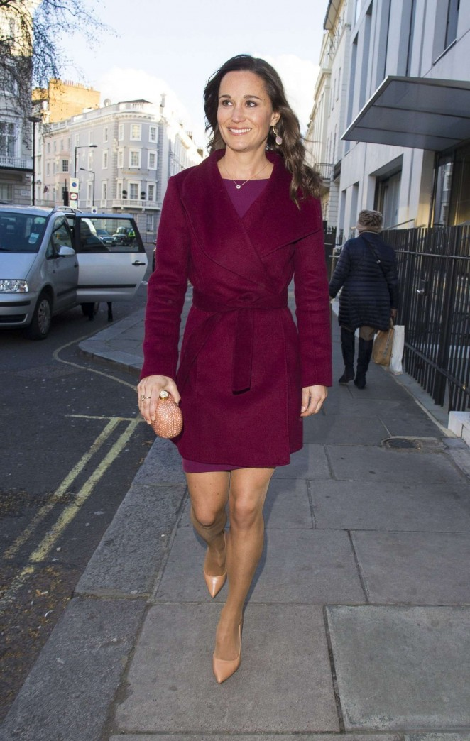 Pippa Middleton in Short Dress -24
