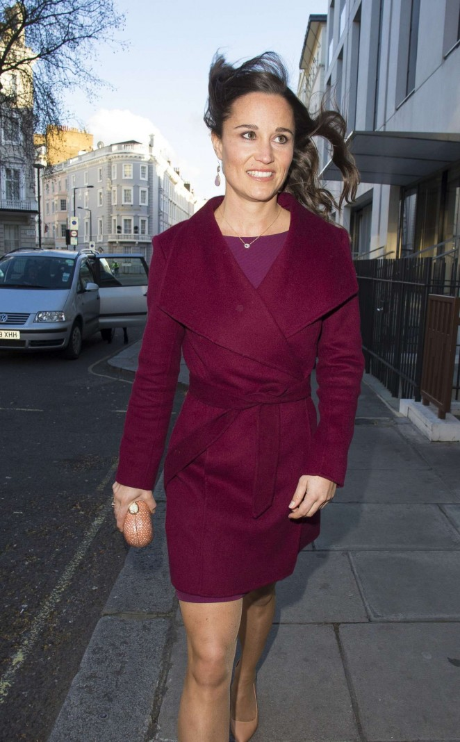 Pippa Middleton in Short Dress -25