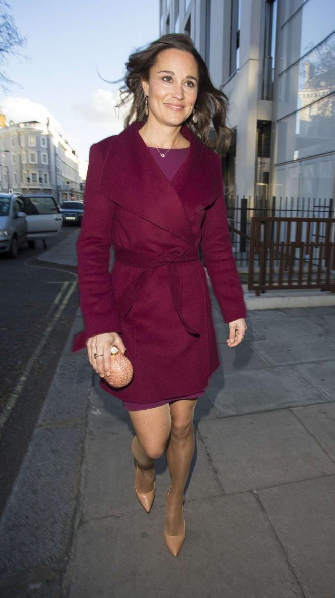 Pippa Middleton in Short Dress -30