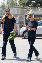 Pixie Geldof and George Barnett - Shopping at the Melrose Trading Post in LA