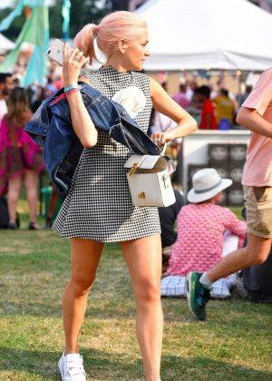 Pixie Lott Arrives at House Festival in London