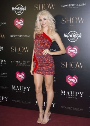 Pixie Lott - Global Gift Gala 2017 in Ibiza