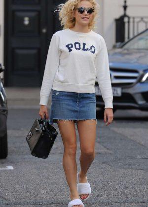 Pixie Lott Jeans Mini Skirt 03 Olivia Palermo Arrives Jonathan Simkhai