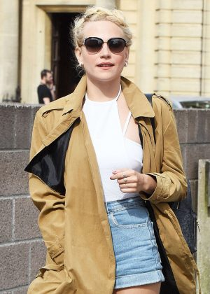 Pixie Lott in Jeans Shorts at Italian Restaurant in Plymouth