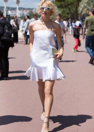 Pixie Lott in Mini Dress Leaving Martinez Hotel in Cannes