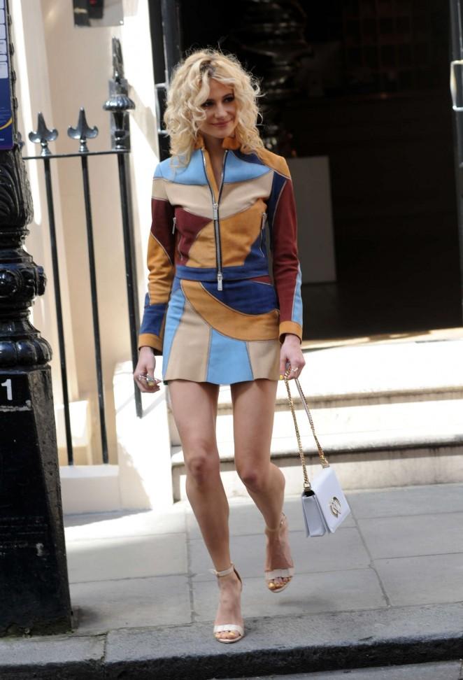 Pixie Lott – Leaves the Haymarket Hotel in London