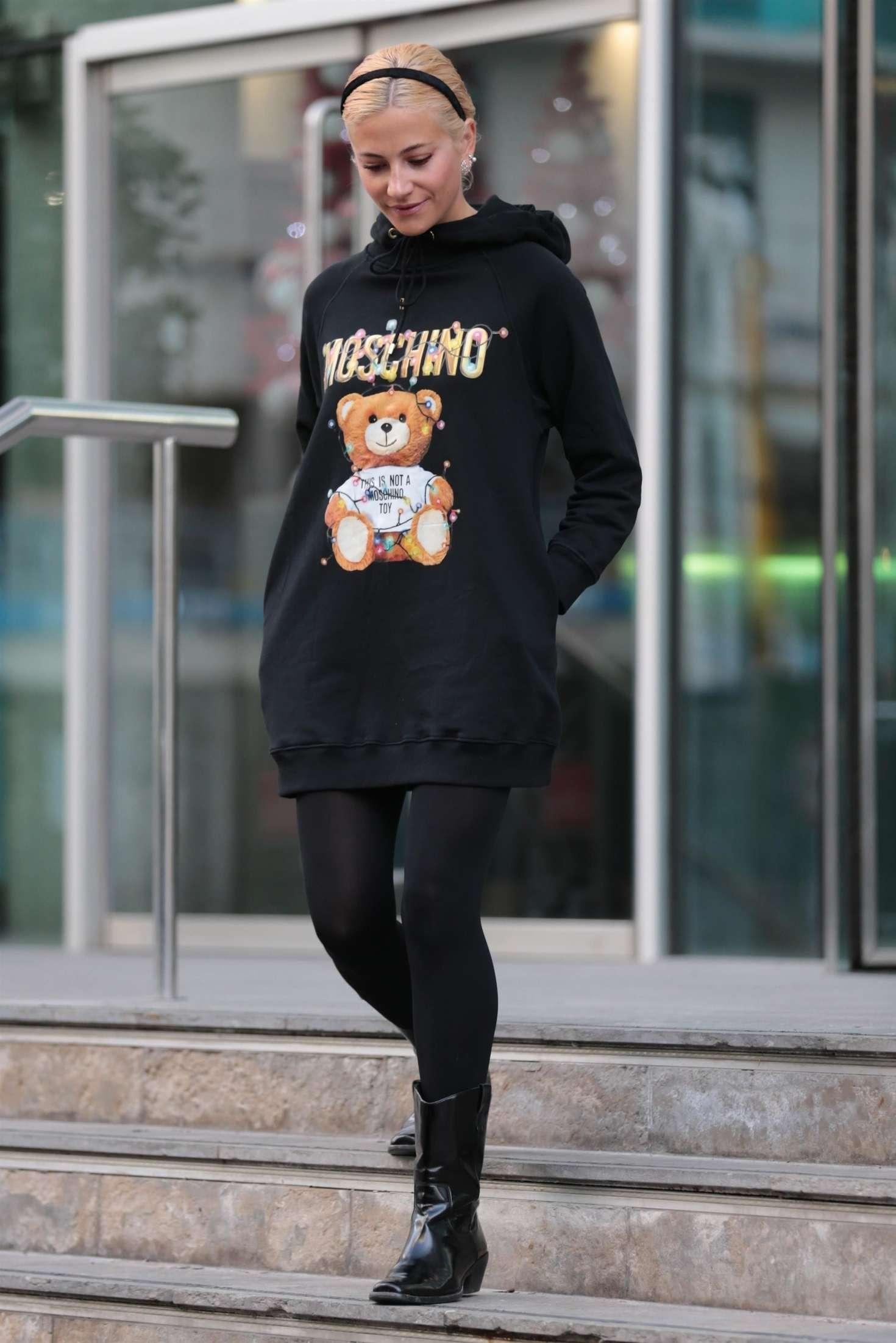 Pixie Lott 2018 : Pixie Lott: Leaving Hotel in Manchester -03
