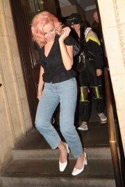 Pixie Lott - Leaving the Royal Albert Hall in London