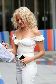 Pixie Lott - Serving ice cream live on The One Show in London