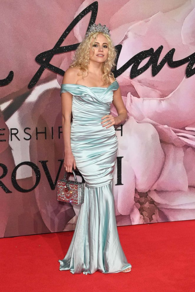 Pixie Lott - The Fashion Awards 2016 in London