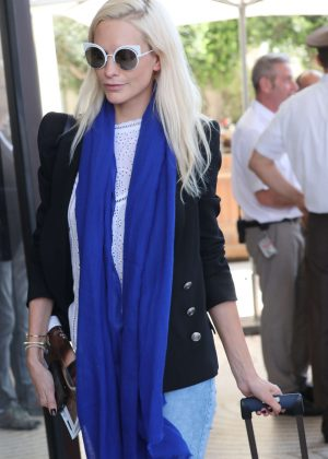 Poppy Delevingne - Arrives at Martinez Hotel in Cannes