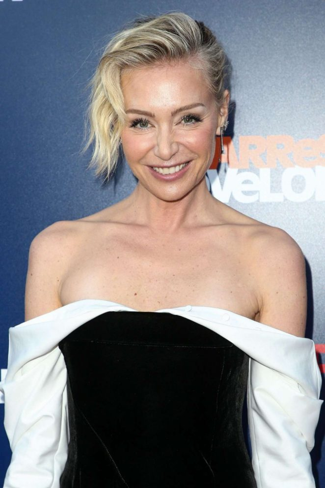 Portia De Rossi – Posing at Arrested Development Show Premiere Photocall In Los Angeles