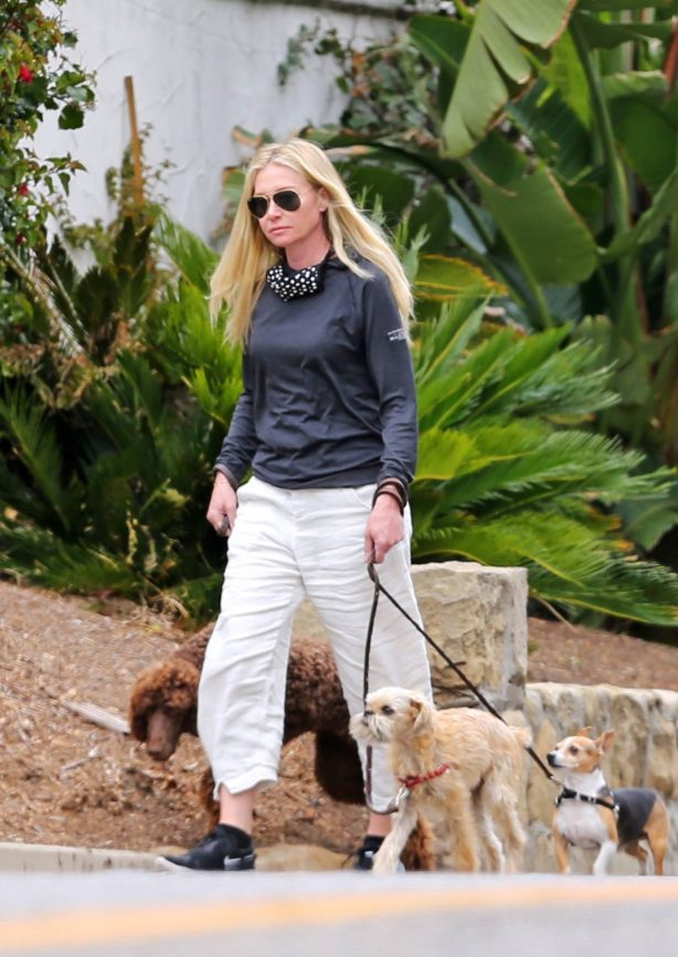 Portia De Rossi - Seen whith her three dogs Augie, Mabel, and Kid in Montecito