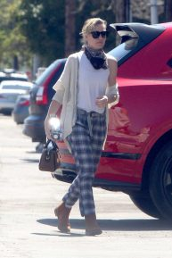 Portia de Rossi - Shopping at warehouse in LA