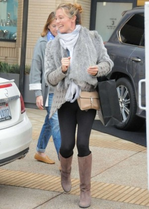 Pregnant Cat Deeley:Shopping in Beverly Hills-04
