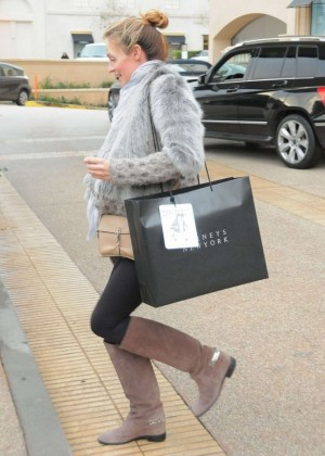Pregnant Cat Deeley:Shopping in Beverly Hills-05