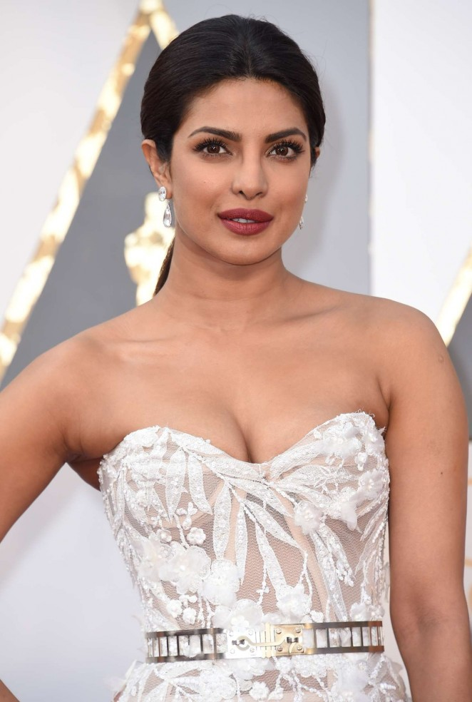 Priyanka Chopra - 2016 Oscars in Hollywood