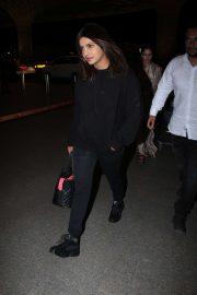 Priyanka Chopra - Candids at the Mumbai Airport