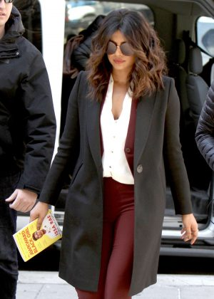 Priyanka Chopra - Filming 'Quantico' outside a courthouse in NYC