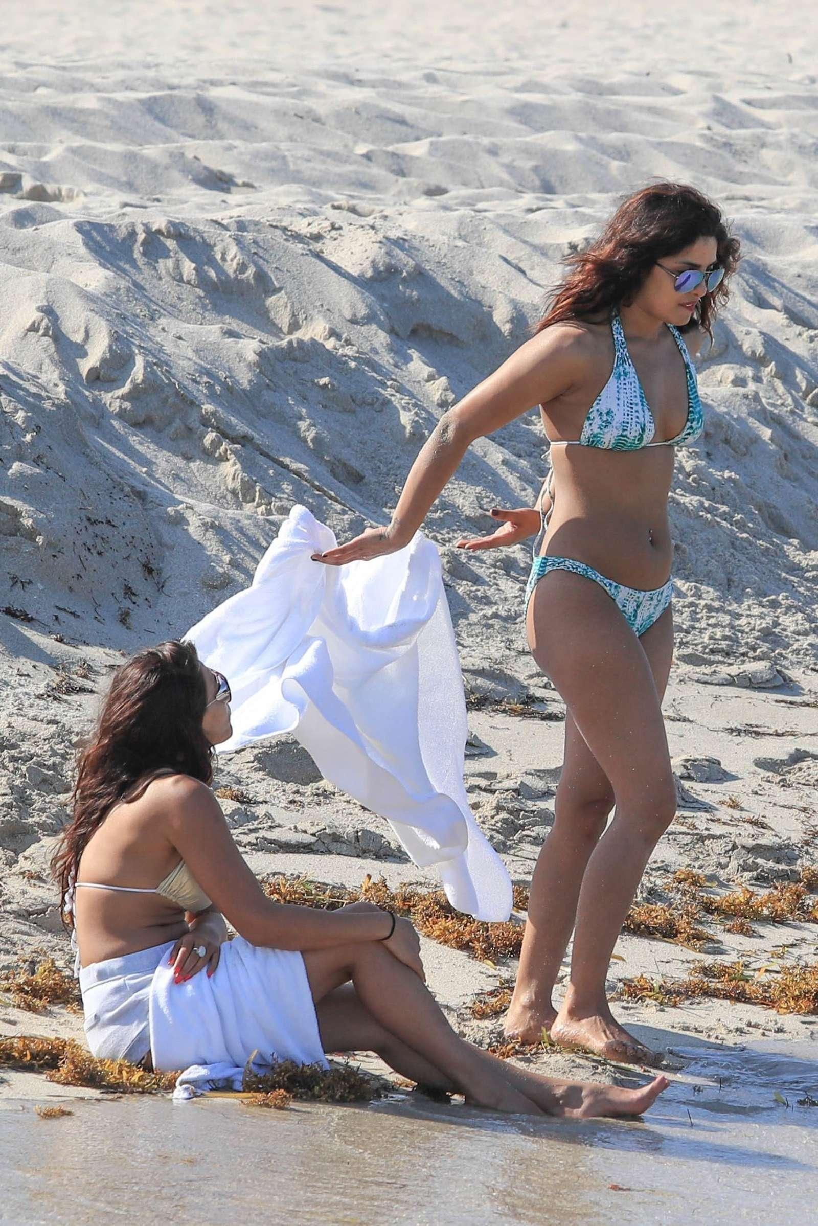 Priyanka Chopra in Bikini -05