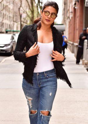 Priyanka Chopra - Leaves Live With Kelly in New York