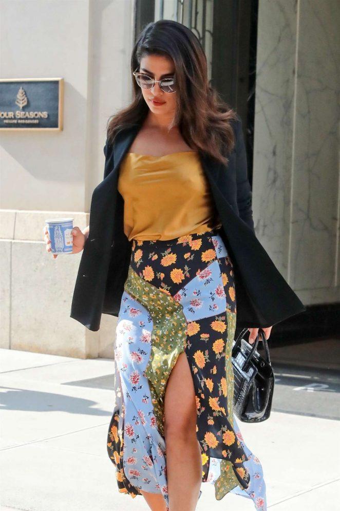 Priyanka Chopra - Leaving her home in NYC