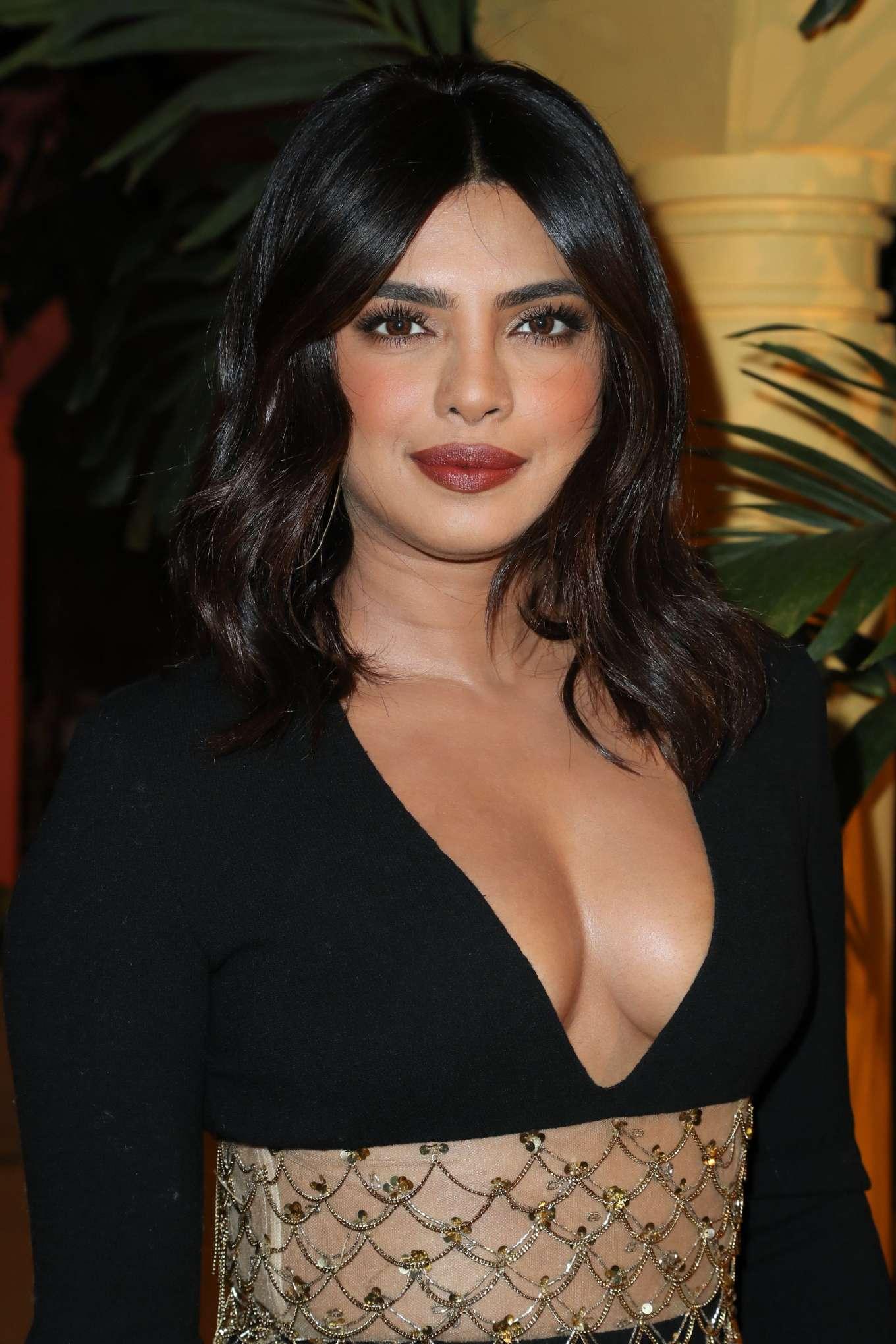 Priyanka Chopra - Oscar de la Renta Fashion Show - New York Fashion Week