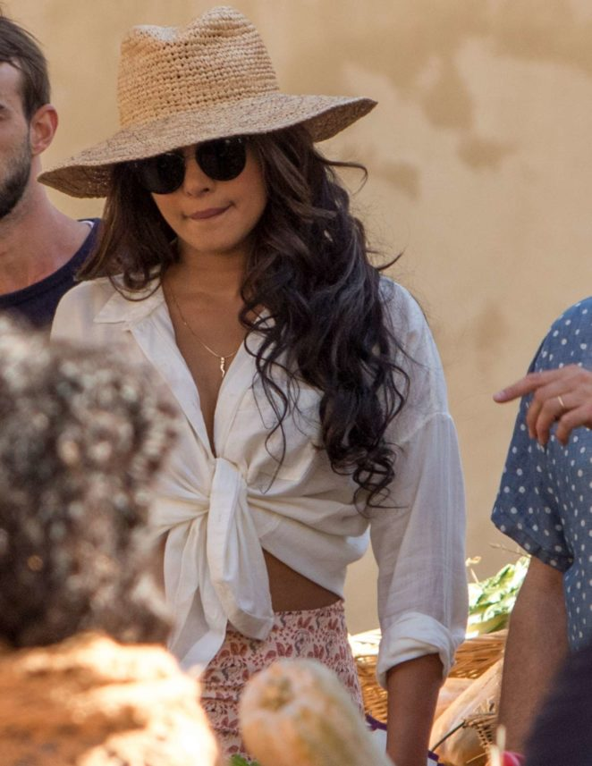 Priyanka Chopra - Shooting 'Quantico' Season 3 in Montepulciano