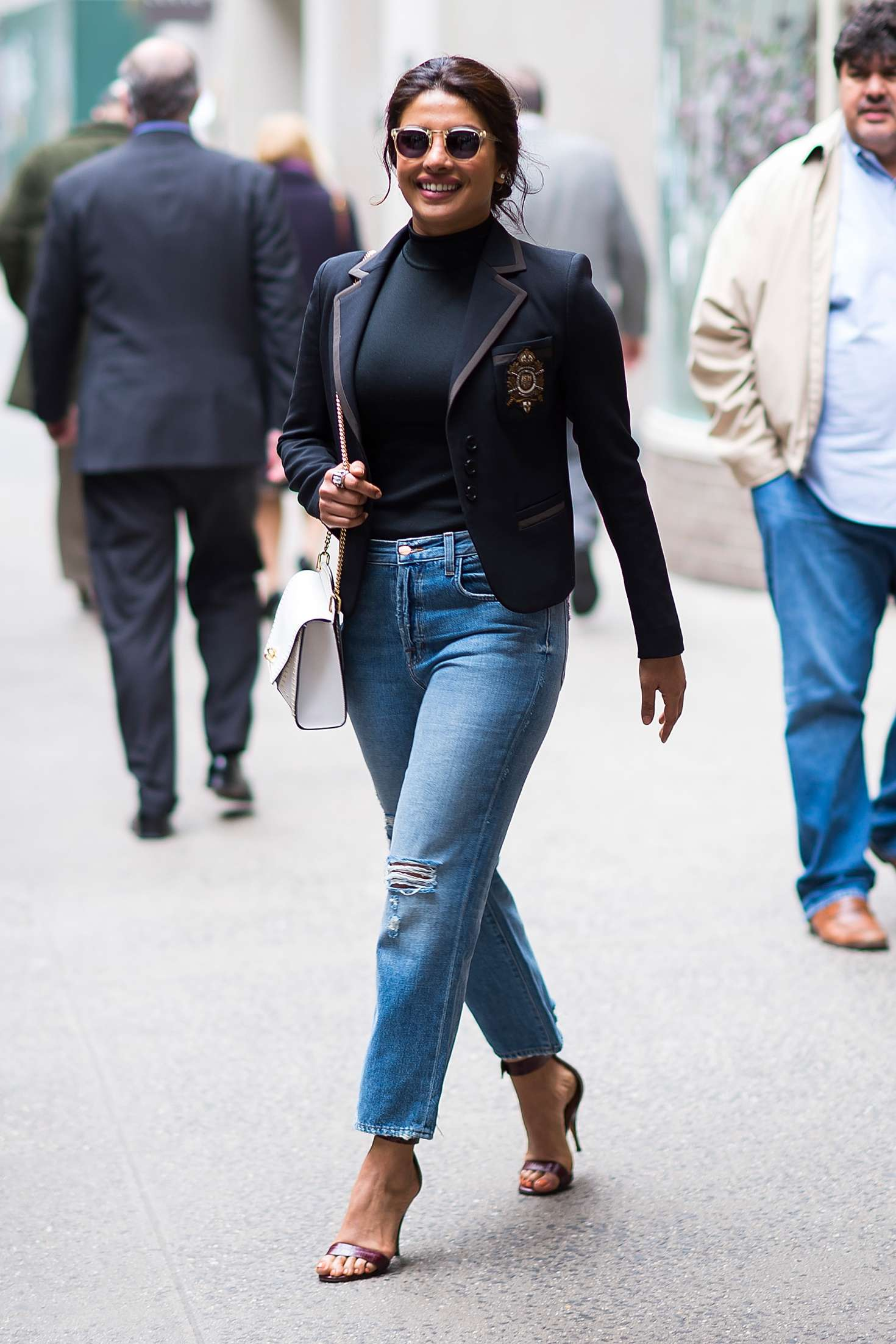 Priyanka Chopra – Spotted while out in New York City   Priyanka-Chopra:-Spotted-while-out-in-New-York-City-01