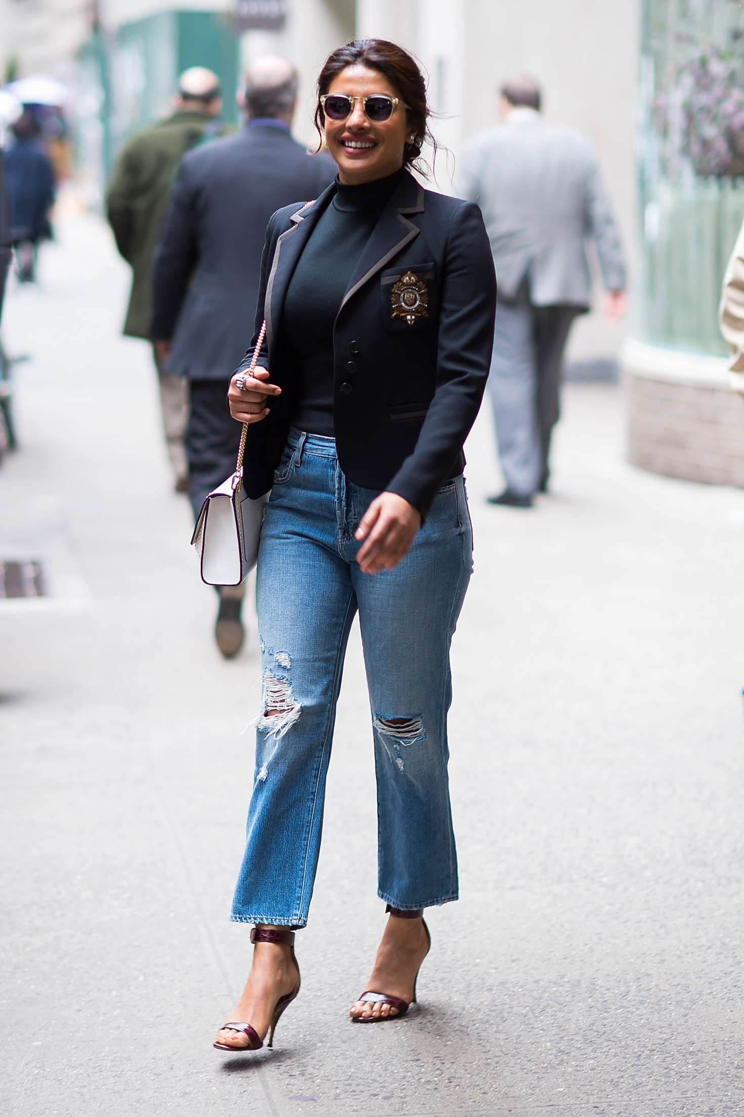 Priyanka Chopra – Spotted while out in New York City   Priyanka-Chopra:-Spotted-while-out-in-New-York-City-05